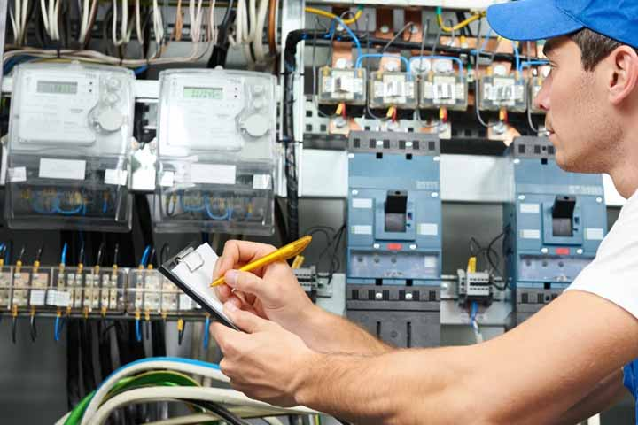 Electrician Job Description – The Path to Becoming an Electrician ...